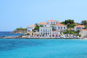the-sea-and-the-houses-by-the-port-of-spetses